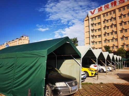 云南长水机场附近室内停车场